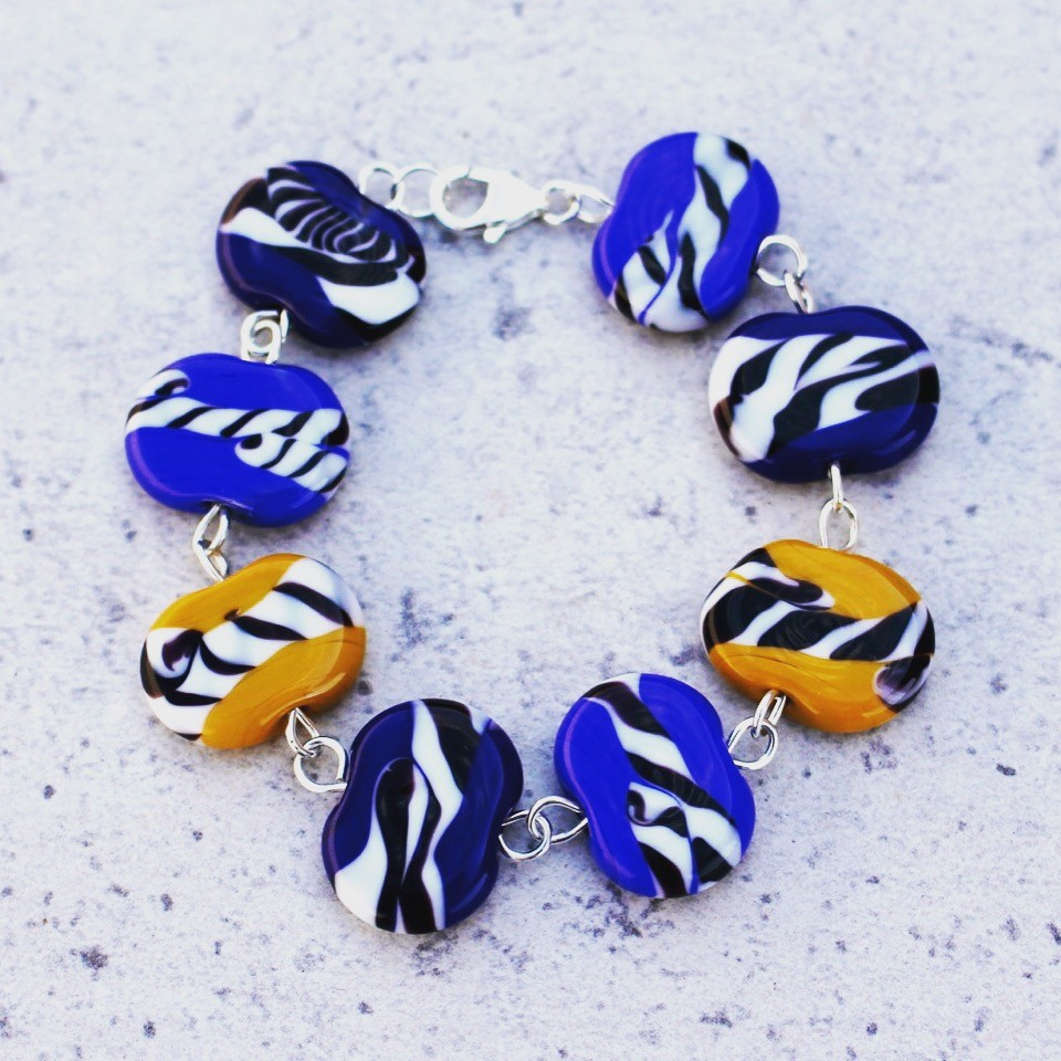 Blue and yellow contrasting bracelet