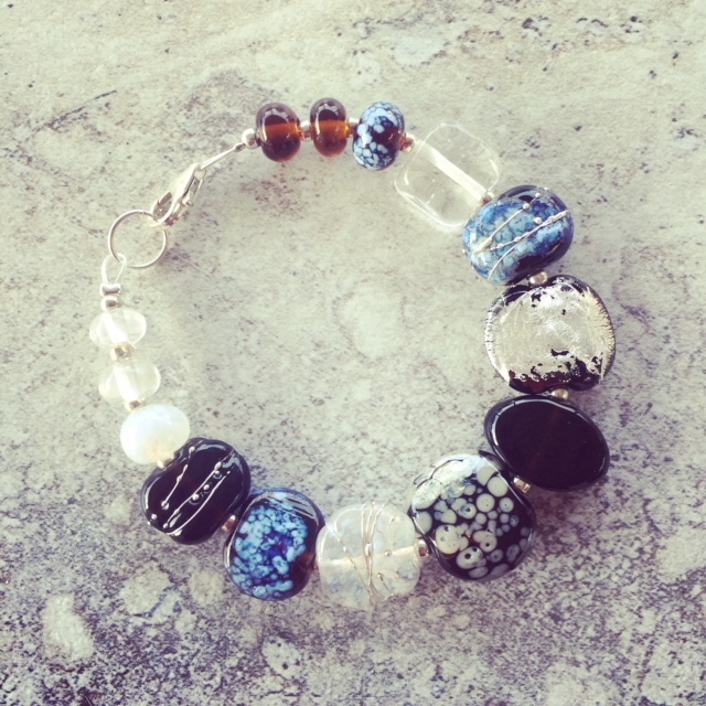 recycled glass bead bracelet
