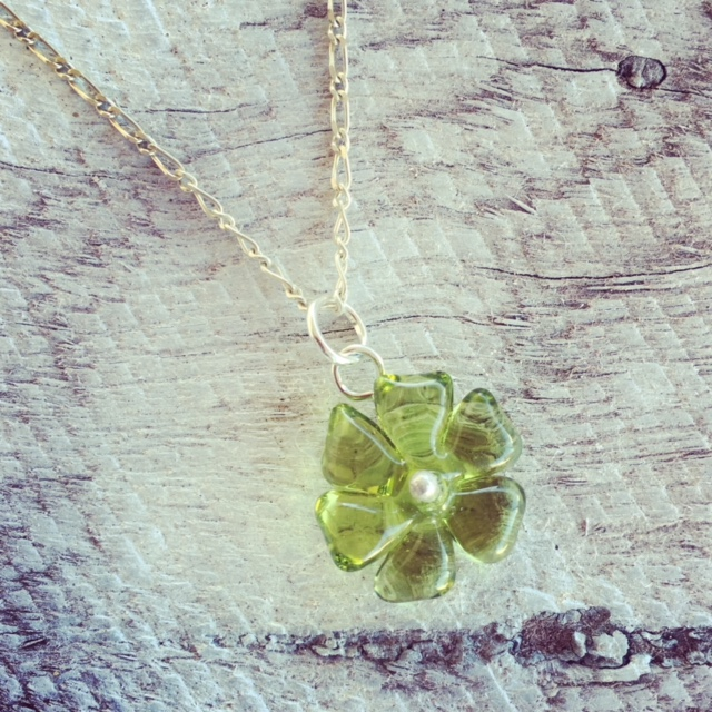 Recycled glass jewellery | flower pendant made from a wine bottle!