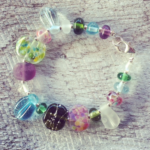 Recycled glass bead bracelet | beads made from various recycled glass objects in my ode to spring!