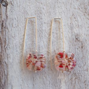 Recycled glass earrings | beautiful earrings in red and pink tones