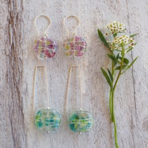 Recycled glass earrings | pretty earrings made from a wine bottle