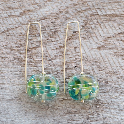 Recycled glass earrings | pretty green recycled glass earrings made from a wine bottle