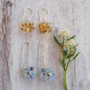 Recycled glass earrings | pretty earrings made from a wine bottle