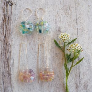 Recycled glass earrings | pretty recycled glass earrings made from a wine bottle