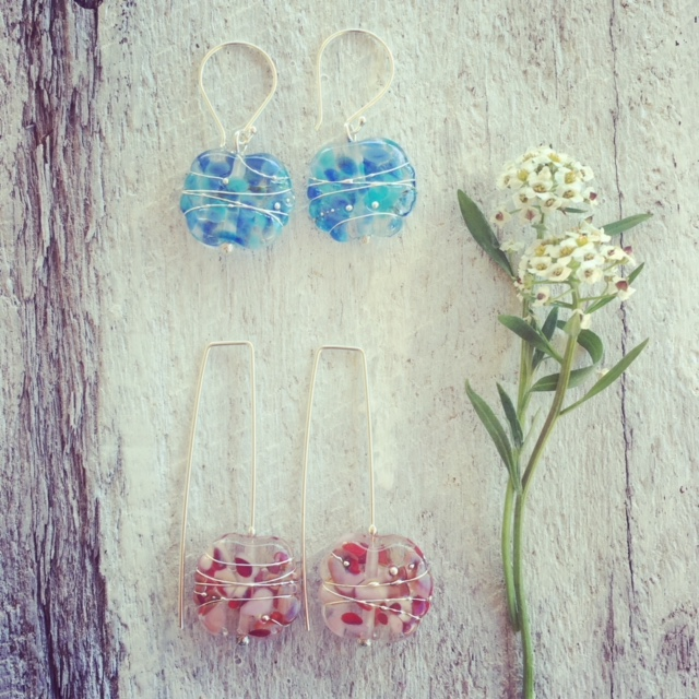 Recycled glass earrings | colourful earrings made from a wine bottle
