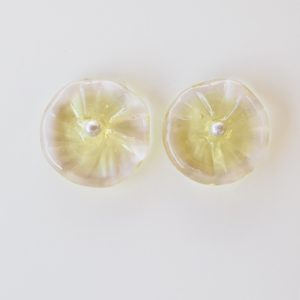 pretty flower stud earrings