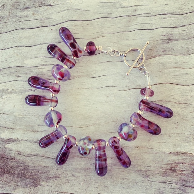 Recycled glass bead bracelet | beads made from a wine bottle