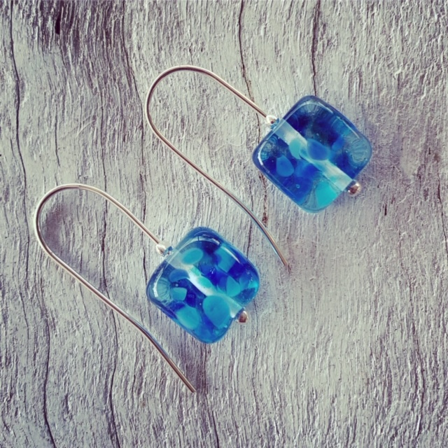 Simple earrings made from a wine bottle