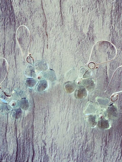 Pretty recycled glass flower earrings