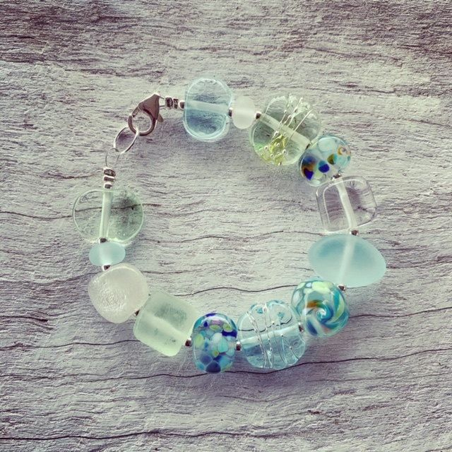 Green Depression Glass and Wine bottle recycled glass bead bracelet