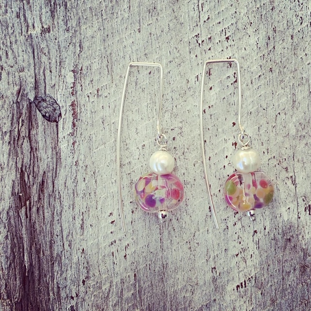 glass bead and freshwater pearl earrings