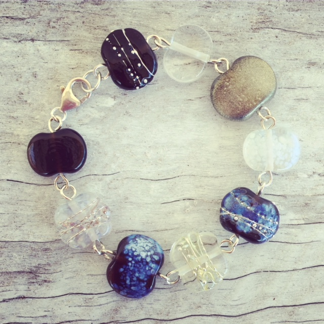 Recycled glass bracelet | beads from a gin and tonic bottle