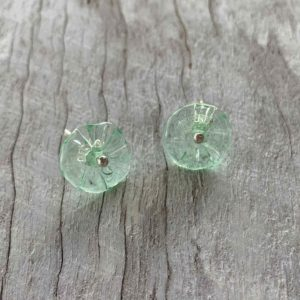 pretty green stud flower earrings