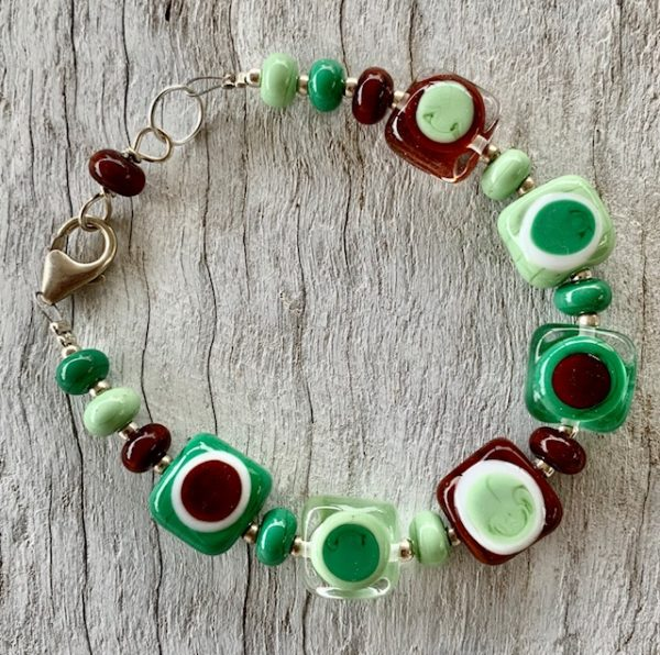 Brown and green glass bead bracelet