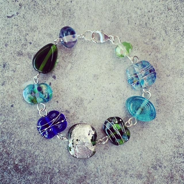 recycled glass bead bracelet