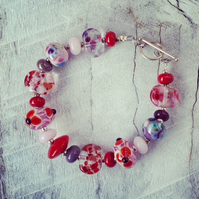 red pink purple glass bead bracelet