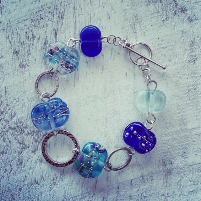 blue recycled glass bead bracelet